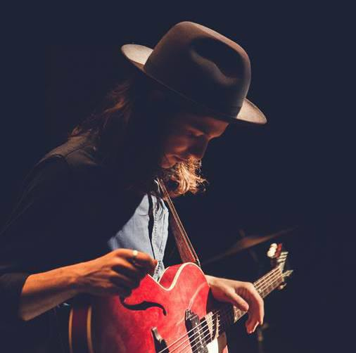 """Chaos in the calm"" avec James Bay"