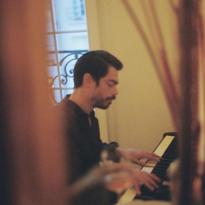 "BENJAMIN COTTO du duo, Lilly Wood & the Prick, sort son premier single solo ""Le Grand Bleu"""
