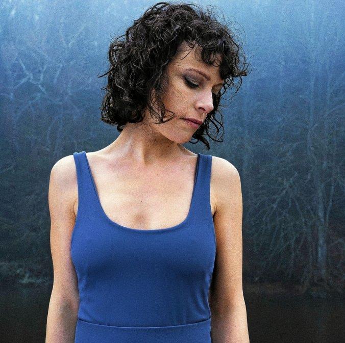 """EMILY LOIZEAU revient avec un cinquième album intitulé """"Icare"""""""