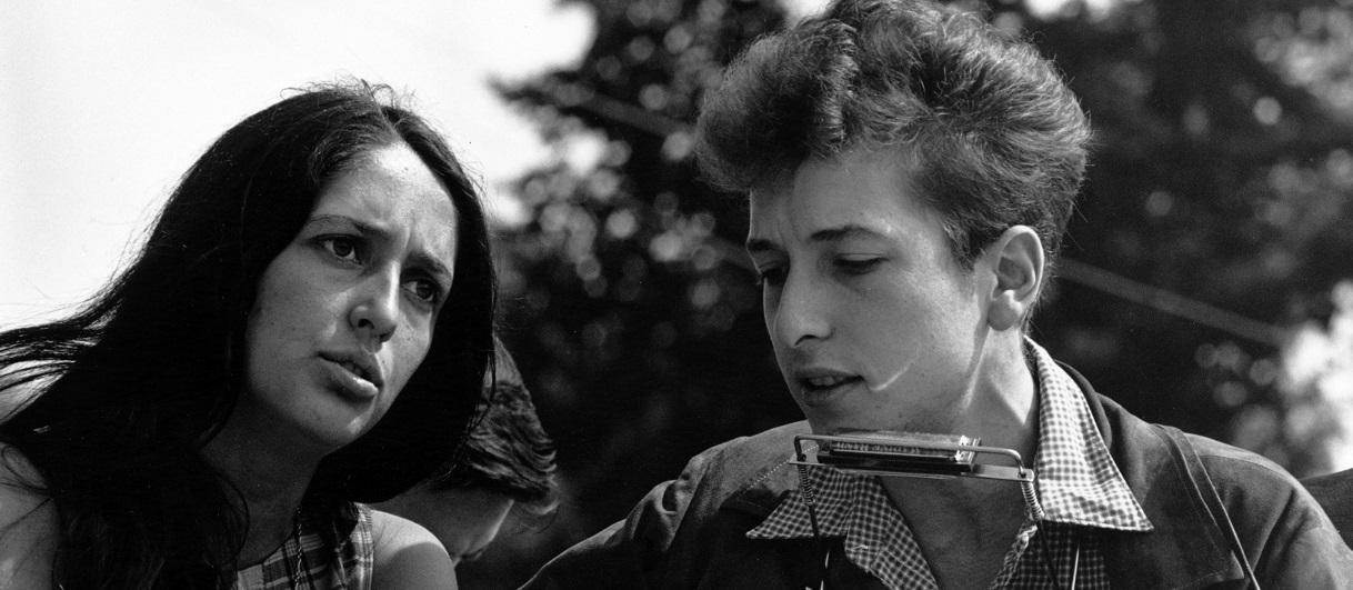 Bob Dylan, le premier chanteur à obtenir le prix Nobel de Littérature