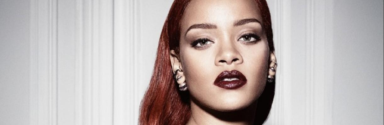 Un fan de Rihanna chante mieux qu'elle